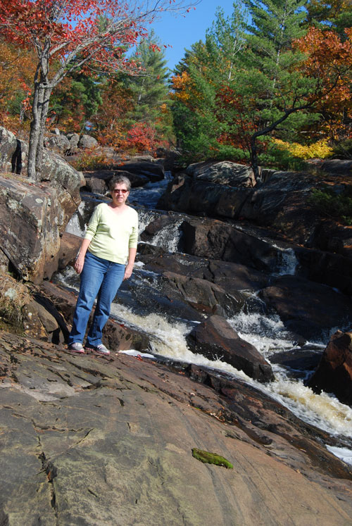 Such lovely fall colors where ever you look and all the water,,,